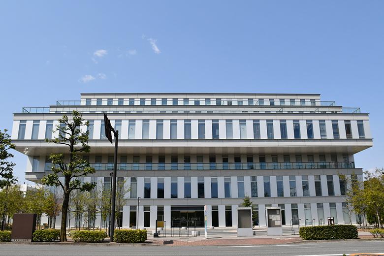 総合保健センター外観
